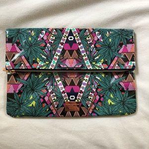 Tribal pattern clutch nwot